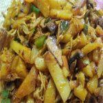 خوراک مرغ و سیب زمینی