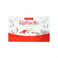 شکلات مغزدار رافائلو